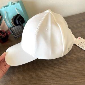 New lululemon baller hat